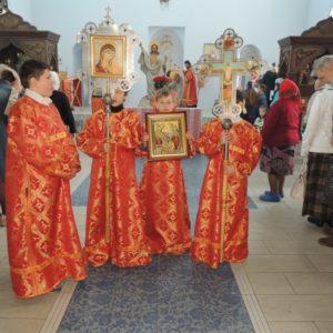 Праздничная Божественная литургия для детей в день Светлого Воскресения в Покровском кафедральном соборе г. Урюпинска